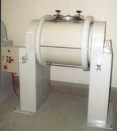 Porcelain drum type mill TM P