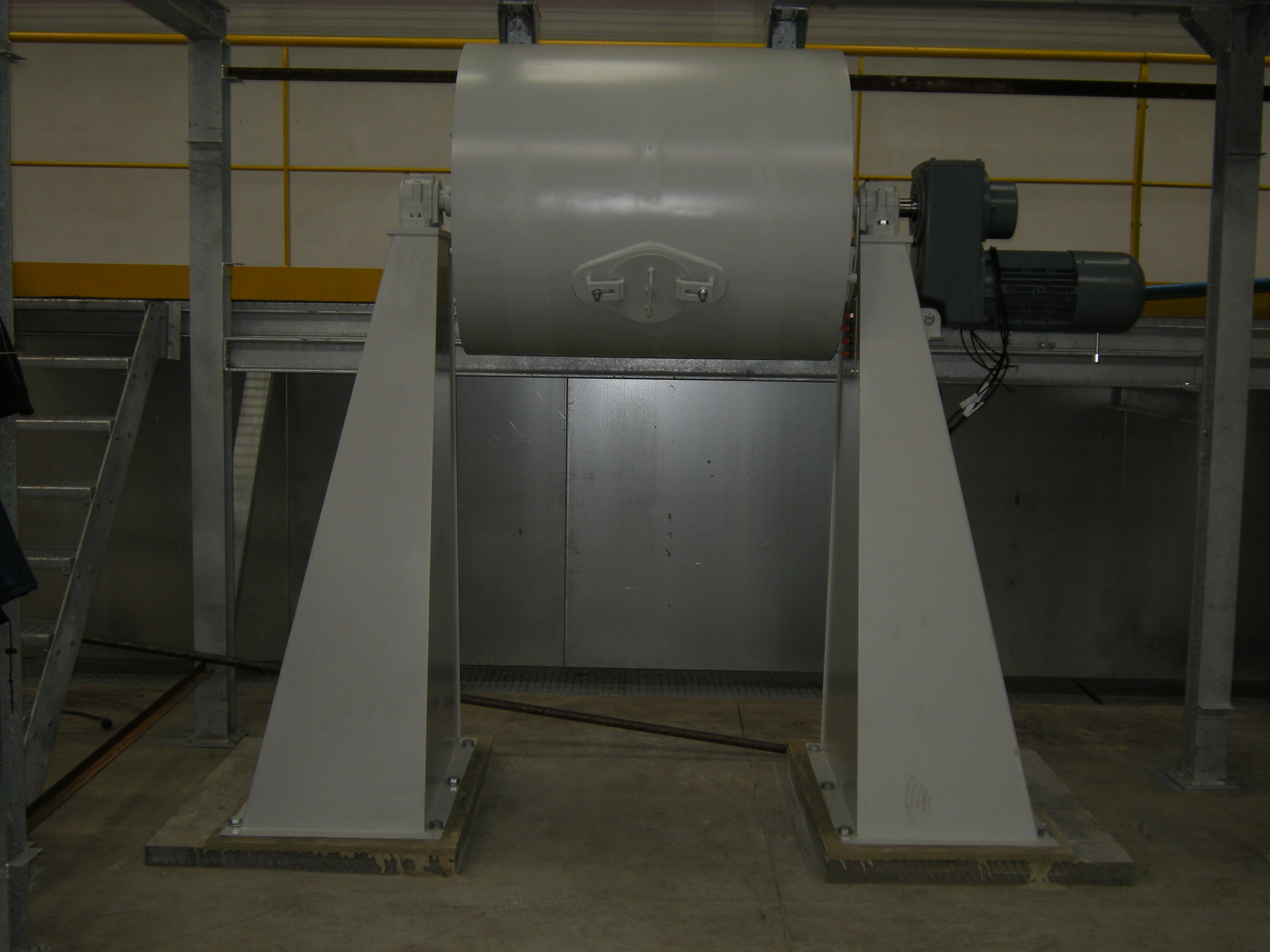 Baan Machines Ball Mill with High Stands